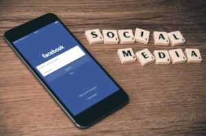 Social Media to Connect With Customers